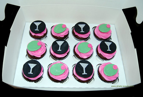 pink and black martini cupcakes second photo