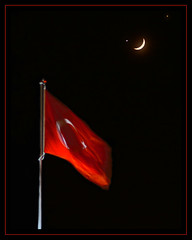 Gklerdeki Bayrak.... (The Turkish Flag in the Sky) (Kuzeytac) Tags: red sky moon black night turkey star long venus flag trkiye turkiye istanbul explore ay jupiter turkishflag lunar turkish turk trk gkyz lsi bayrak ayyldz occultation yldz 11208 trkbayra thebestofday gnneniyisi copyrightedallrightsreserved onceinevery60years 60yldabir lunaroccultationofvenus aqualityonlyclub