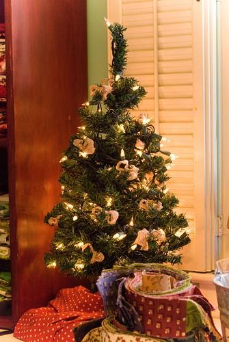 simple holidays :: studio tree