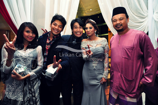 ZED ZAIDI with his artist friends.