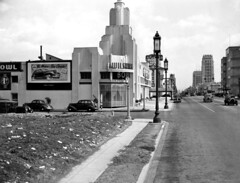 Wilshire Bowl, 1938 (jericl cat) Tags: tower history vintage photo streetlight boulevard empty lot bowl nightclub artdeco wilshire miraclemile