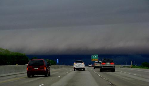 Shelf Cloud driving into Waukesha and Pewaukee