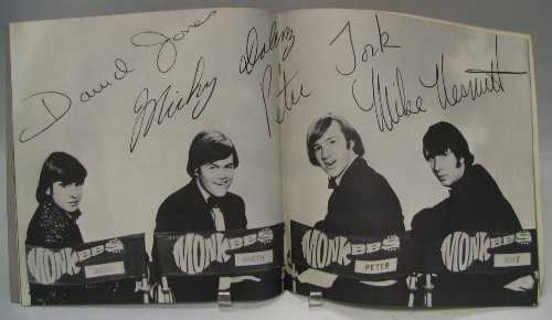 monkees_66tourbook02.jpg