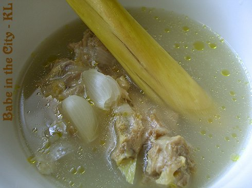 Lemongrass and Shallots Soup