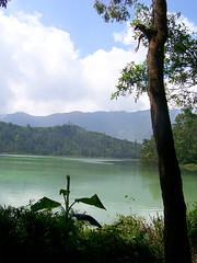 Telaga Warna Dieng (Tianyake) Tags: indonesia warna diengplateau dieng telaga jawatengah