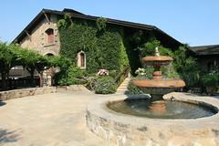 V. Sattui Winery (Frank Kehren) Tags: california fountain canon winery napa f71 1635 sattui canoneos30d ef1635mmf28liiusm