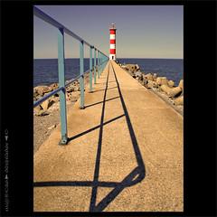Port la Nouvelle (m@®©ãǿ►ðȅtǭǹȁðǿr◄©) Tags: lighthouse france canon faro aude portlanouvelle canonefs1855mmf3556 canoneos400ddigital languedocrosellón m®©ãǿ►ðȅtǭǹȁðǿr◄© marcovianna imagenesdefrancia fotosdefrancia
