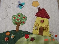 da Mara (Renata ...) Tags: casa borboleta fuxico patchwork bolsa árvore casinha