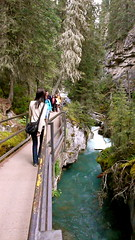Johnston Canyon Trail (Ivan Lian) Tags: canada banff johnstoncanyon bowvalley