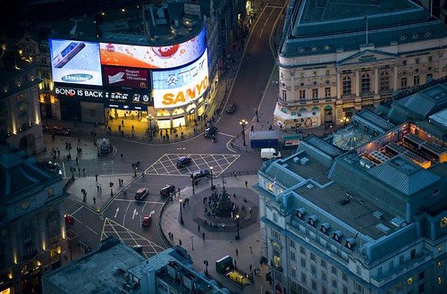 Picadilly Circus (c Jason Hawkes; used with permission)