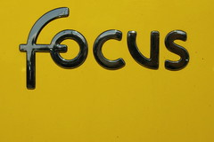 YELLOW FOCUS JAUNE by mario_groleau on Flickr!