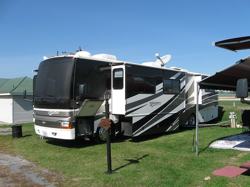 Discovery Fleetwood RV group 006
