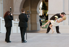 Wedding Photo Pose (scattered1) Tags: camera las vegas wedding pose idea groom bride kiss couple photographer nevada dramatic marriage casino resort strip venetian concept 2008 dip newlywed videographer