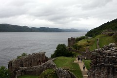 Urquhart Castle to the South (*Michelle*(meechelle)) Tags: scotland 2008 urquhartcastle lochness drumnadrochit mywinners anawesomeshot