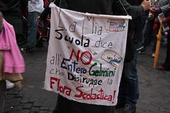 Entero-Gelmini (Chiara Lalli) Tags: italy rome roma italia universit piazzanavona ricerca scuola palazzomadama studenti manifestazione istruzione finanziamentipubblici ddl133 mariastellagelmini