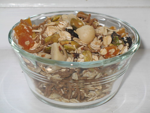 Apricot and Fig Crunchy Muesli