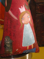 """Daughters will always be our little princesses"" Doll (Susana Tavares) Tags: bonecas arte princess little painted artdolls princesa menina motheranddaughter mocho woll pintadomo"