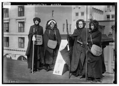 Washington hikers  (LOC) (The Library of Congress) Tags: women libraryofcongress suffragists sufferage suffrage suffragettes womenssuffrage iwd xmlns:dc=httppurlorgdcelements11 bainnewsservice suffragemovement dc:identifier=httphdllocgovlocpnpggbain12419