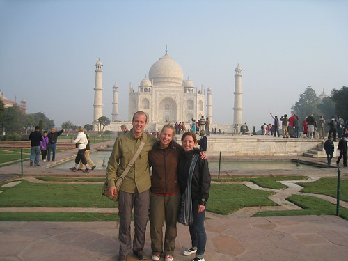 The three of us standing in front of the Taj Mahal