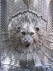 """Lion Head • <a style=""""font-size:0.8em;"""" href=""""http://www.flickr.com/photos/48277923@N00/2622162579/"""" target=""""_blank"""">View on Flickr</a>"""