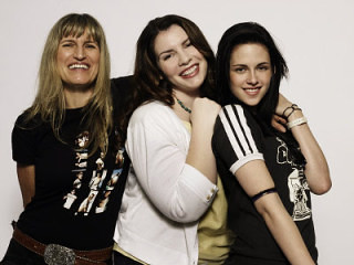 Catherine Hardwicke, Stephanie Myer and Kristen Stewart At Comic Con by withlove.erin.