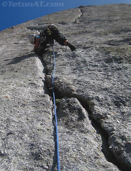 Julia climbs the K-Cracks