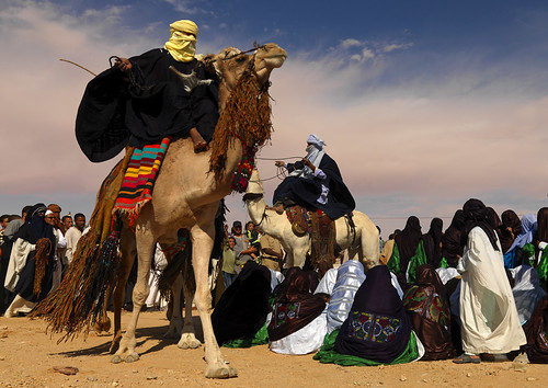 Tuaregs camel dance