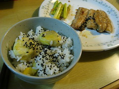 栗ご飯と秋刀魚の蒲焼き / Chestnut rice and kabayaki of a Pacific saury