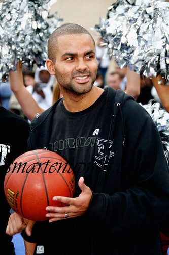 tony parker ...point guard for the bitch ass spurs