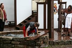 IMG_0128 (D K Brower Photography) Tags: family wet rain festival fun funny weekend sunday september entertainment rainy laugh faire shire kelli raining easton dunking guilty 08 friar jury mthope pennsylvaniarenaissancefaire parenfaire parf prf trialanddunke lordbromley