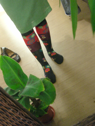 Over-the-knee stockings with flowers