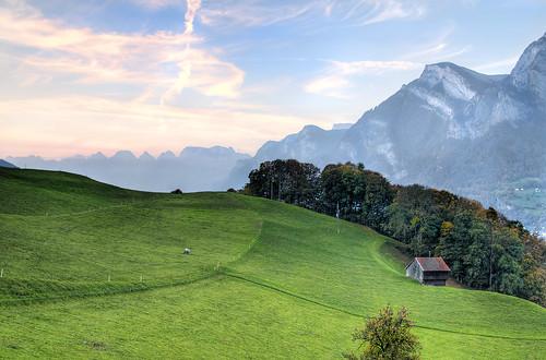 フリー画像| 自然風景| 丘の風景| 山の風景| HDR画像| アルプス山脈| スイス風景|     フリー素材|