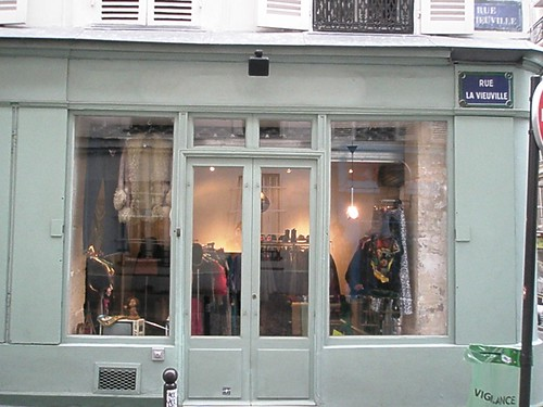 paris vintage shop 01.