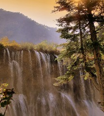 Jui Zai Gou - Roa Je Lang Waterfall -  -  (CharlieBrown8989) Tags: china pink blue autumn sunset red mountain green art nature water canon golden yahoo interestingness flickr zoom picasa best hills explore tele sichuan tamron charliebrown8989 corel juizaigou paintshopproxi  zhuhongqu sustainabily melaniezhu roajelang