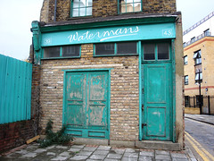 Sepherd Green, London - very old shop (Julie70) Tags: green london fall automne meetup unitedkingdom decay vert londres angleterre 2008 rgi eastlondon photojuliekertesz zlet sonydscw150 sepherdgreen