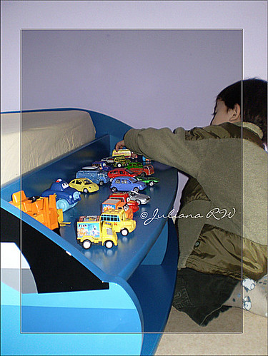 Enjoy playing cars