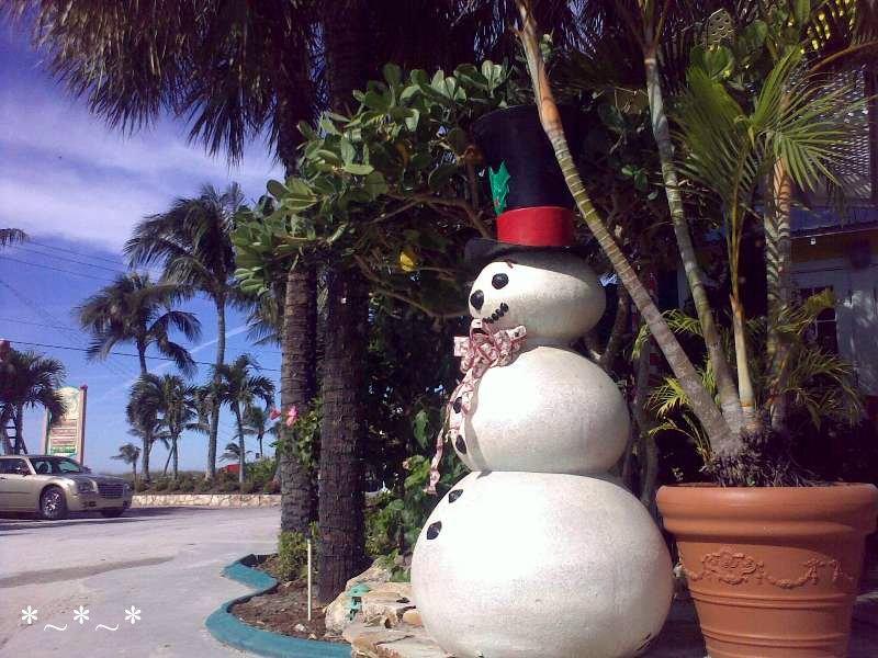 11272008426-Snowman-Red-Hat-Tween-Waters-inn