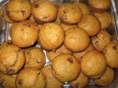 Mini pumpkin chocolate chip cakes