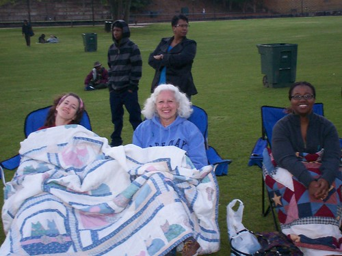 sarah, mom & reonda @ movie in the park