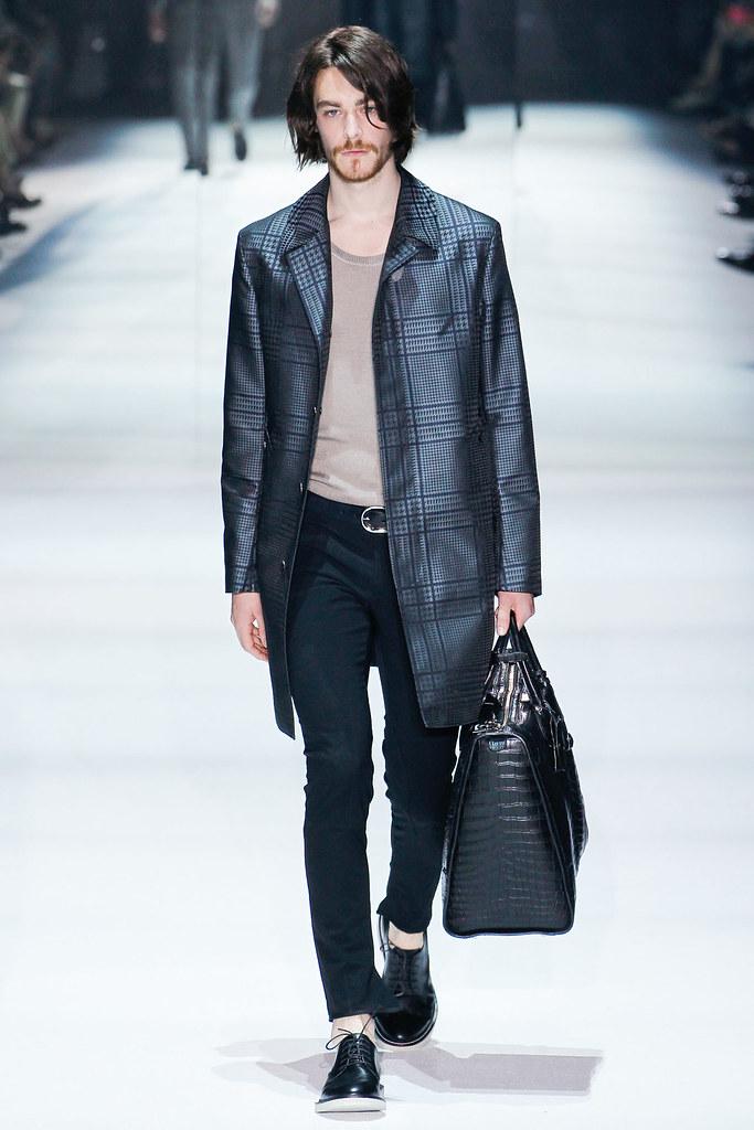 SS12 Milan Gucci020_Jonas Kesseler(VOGUEcom)