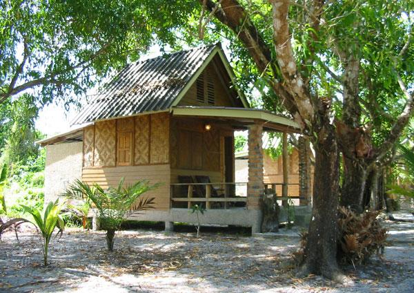 Мы остановились в «Vijit Bungalows» на острове Пайам (Koh Phayam)