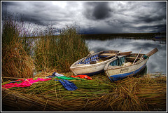 Boats at Titicaca (Kaj Bjurman) Tags: lake peru titicaca photoshop boats eos straw vivid titikaka 2008 hdr kaj cs3 photomatix titicaka 40d bjurman