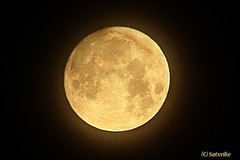 April moon (Satxvike) Tags: texas luna elpaso aprilmoon satxvike henrydelgado