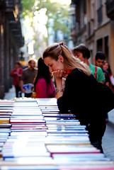 SJ2008/2 (Bernat Nacente) Tags: barcelona people woman man home beautiful 50mm book spain fuji f14 melody buy pro fujifilm catalunya nikkor jordi 2008 guapa sant gent dona comprar s5  compra    llibre    bonica  nohdr s5pro