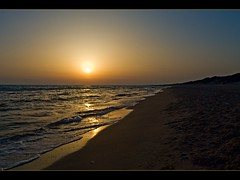 Tramonto sul mare 3 (fabilly74) Tags: sunset sea beach tramonto mare spiaggia superaplus aplusphoto almostanything oursupershots platinumheartaward theperfectphotographer astoundingimage spiritofphotography discoveryphotos qualitypixels fabcap nikonflickraward topqualityimagesonly artinoneshot