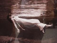 Toni Frissell: Weeki Wachee spring (1947) (individual8) Tags: water women underwater dress sweden stockholm july photograph gamlastan 2008 tonifrissell weekiwacheespring