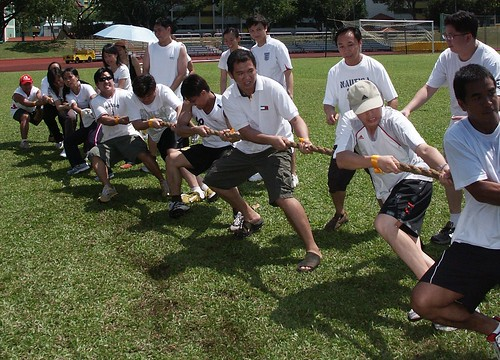men's tug of war Buhay Pinoy Philippines Filipino Pilipino  people pictures photos life Philippinen