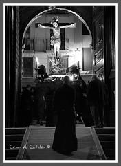 Santo Cristo de la Agonía (Cesar Catalan) Tags: nikon maria religion zaragoza escultura cruz santos paso cristo virgen imagen silencio semanasanta dios procesion sanpablo bombo tambor catolico calvario d300 manto jesucristo procesión saeta catolicismo virgenmaria saragosse religión cofradia hermandad crucificado andas schmap costalero capirote cesaraugusta semanasantazaragoza cristodelaagonía semanasantadezaragoza nikond300 salduba redobles salduie ciudaddezaragoza zaragozaespaña cesaraugustazara gozazaragozanosaldubasalduieschmapguia asociacionculturalredobles asociacionculturalredoblesdezaragoza