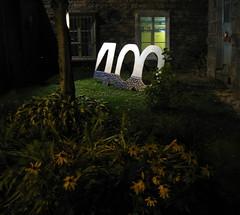 La nuit tombe sur le 400e (Robert Saucier) Tags: canada window night quebec noflash qubec nuit fentre qubeccity 400e img1579 camminante
