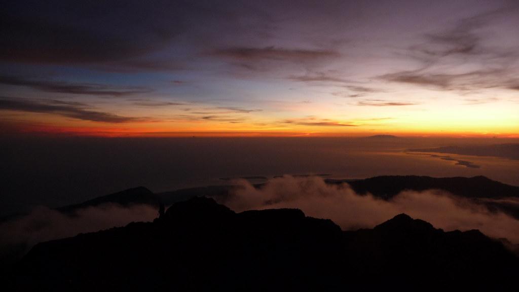 ['Lombok.', ' sunrise at Gunung Rinjani']